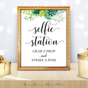Greenery Wedding - Tropical Leaves - Selfie Station Sign